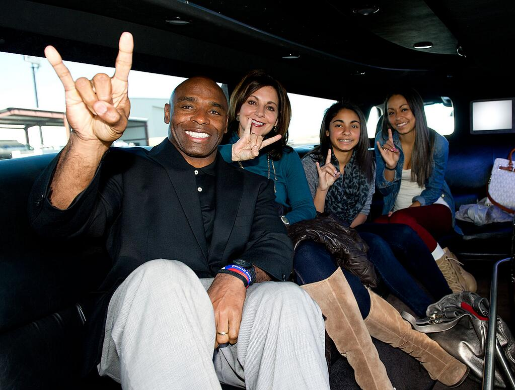 Charlie Strong & Family Hook 'Em