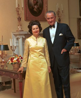 D2376-3a_Portrait-of-President-Lyndon-B.-Johnson-and-Lady-Bird-Johnson-in-formal-wear-66328_260x315